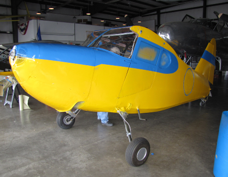 Stinson: fuselage painted and trimmed